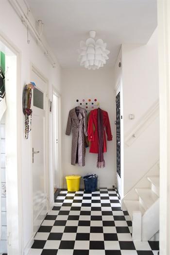 Decocasa mexico espacio detras de una puerta perchero for Perchero para puerta de bano