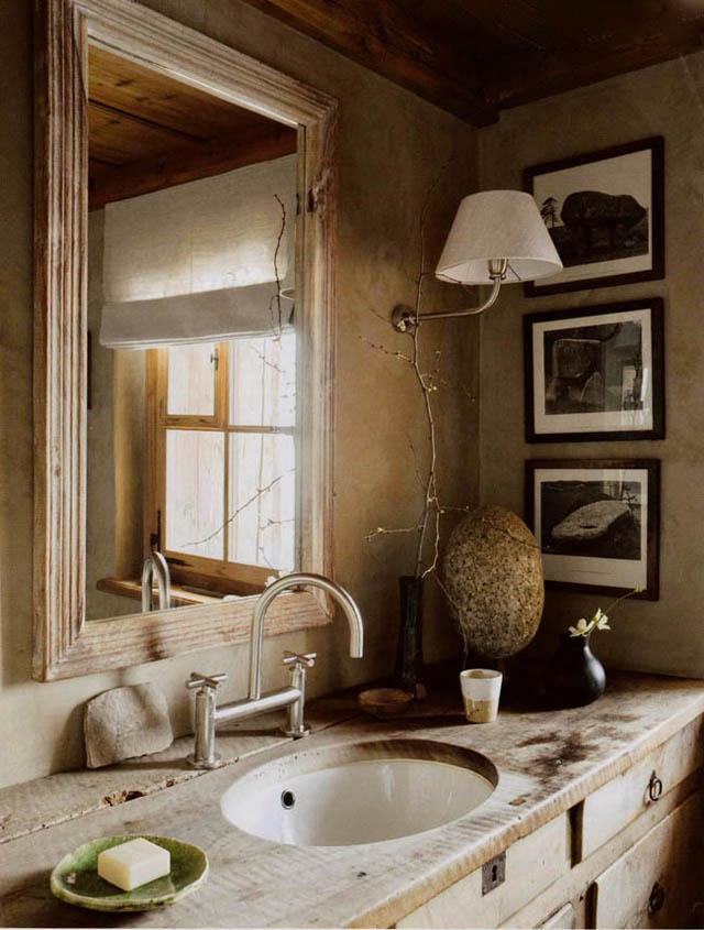 Baños Interiores Rusticos:Otra opción bien rústica: el ladrillo a la vista para dar vida a una