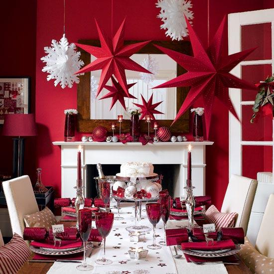 en este caso se ha puesto la mesa normalmente slo que se han agregado algunos detalles navideos como servilletas estampadas decoradas